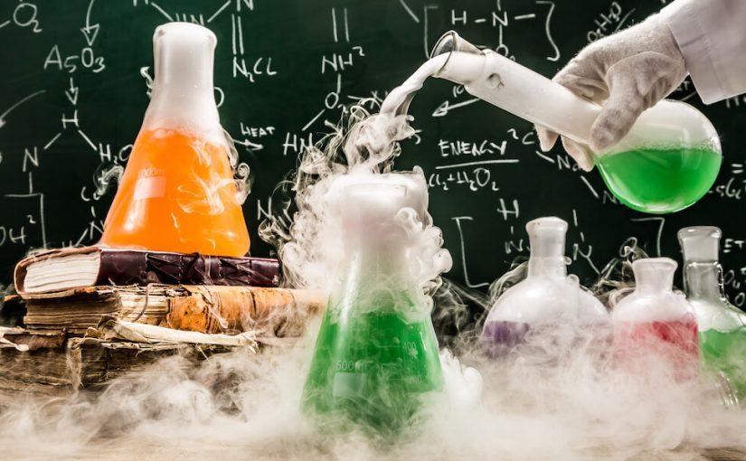 فرع العلوم الذي يدرس العلم الطبيعي هو