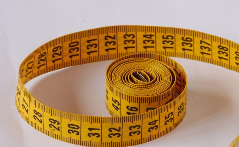 كيف يمكن قياس مساحة وحجم غرفة الصف