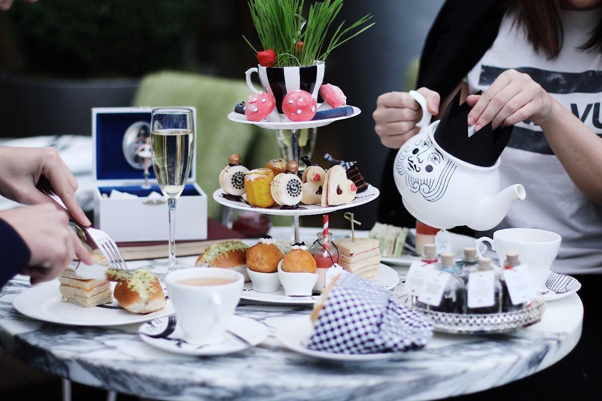 كيف تقيم حفلة شاي مميزة ؟