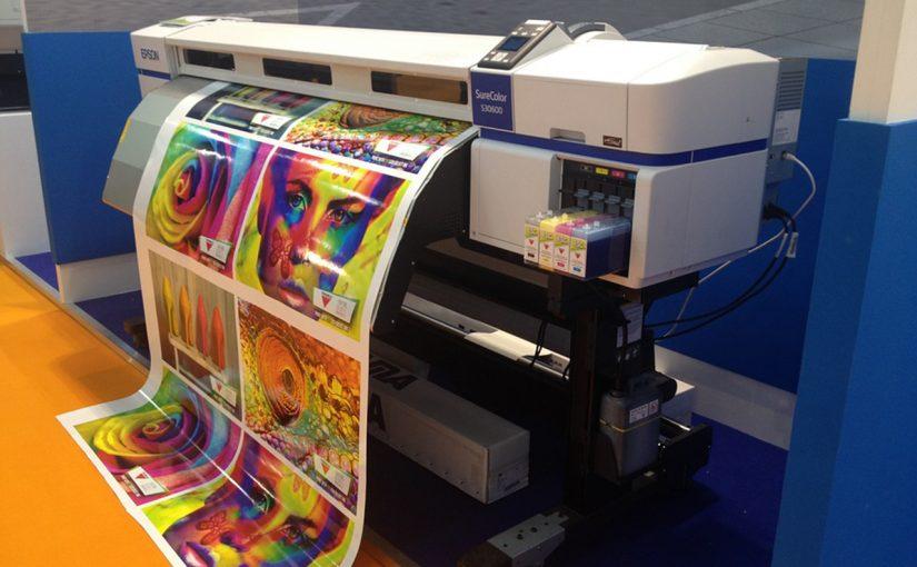يكون اتجاه النظر عند الطباعة باللمس