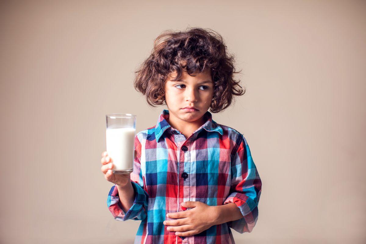 كيف اعرف ان طفلي عنده حساسيه من الحليب وما هي تحليل حساسية اللبن عند الرضع