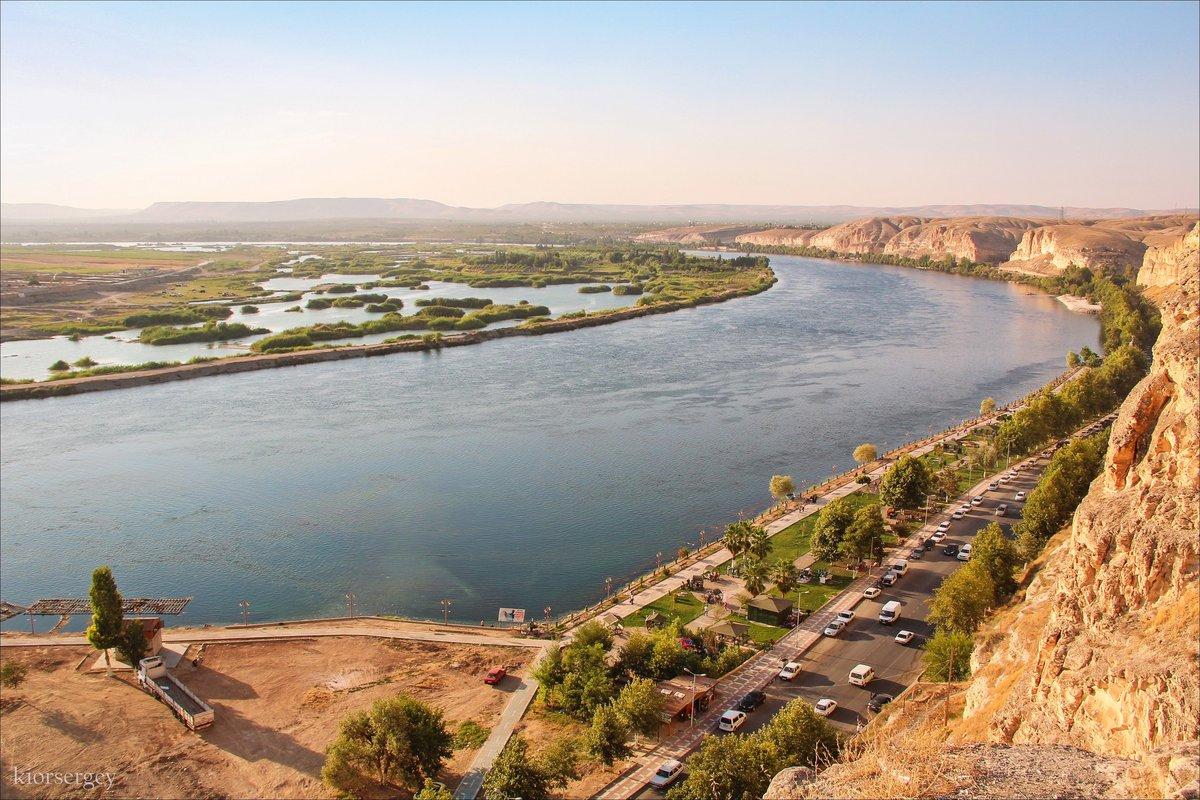النهر العربي الذي يقع بين تركيا وسوريا والعراق