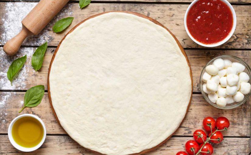 مقادير عجينة البيتزا الهشة