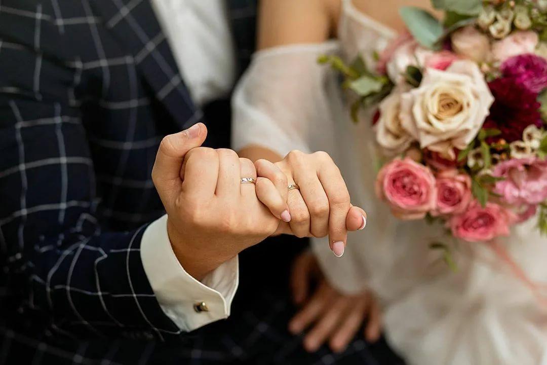 دعاء للعروس اللهم بارك لهما عقدهما واجعله