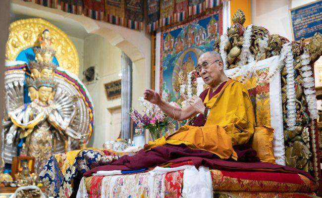من هو القائد للبوذيين التبتيين