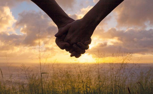 تفسير حلم مسك يد شخص تحبه