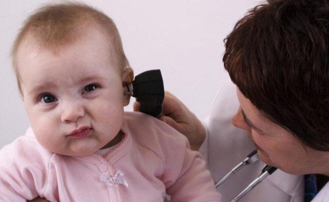 هل يسمع الطفل حديث الولادة