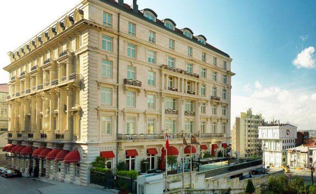 في أي حي يقع فندق فيتوري بالاس