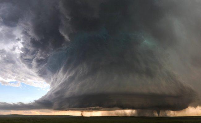 ما هو الإعصار القمعي